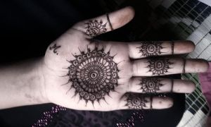 My very first Henna painting by AnushaPhotography