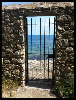 The Gate to the Sea by Elsouille