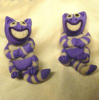 Cheshire Cat earrings by CreativeCritters