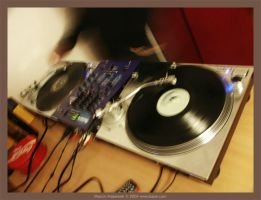 turntable fight by ibisal