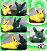 Christmas Mini Jolteons :Sold: by Ami-Plushies