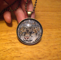 snow leopard necklace by thelunacy-fringe
