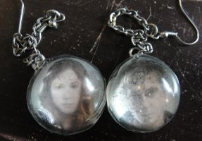 Doctor Who Earrings - Amy and Rory by allykat