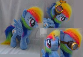 Rainbow dash with goggles by Epicrainbowcrafts