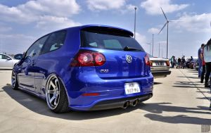 Volkswagen Golf V R32 by SnooP57
