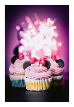 Minnie cupcakes by hyouro
