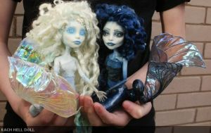 Monster high customs Mariana and Aurora  Mermaid by Rach-Hells-Dollhaus