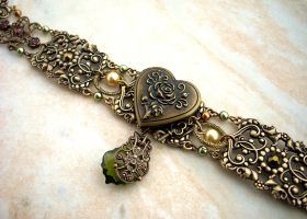 Heart Locket Choker 1 by Aranwen