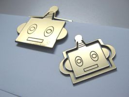 Lasered Robot Head Paperclips by toenolla