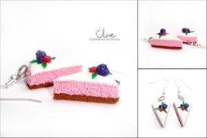 Cakes with berries by CinnamonFlavour