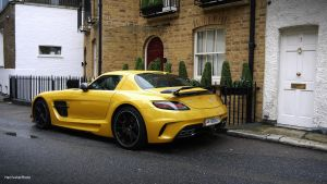 Mercedes-Benz SLS AMG Black Series by ShadowPhotography