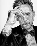 Tom Hiddleston by X-Enlee-X