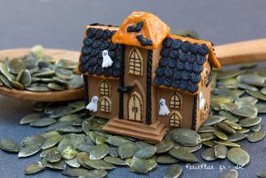 Miniature Haunted Gingerbread House by PetitPlat