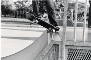 skateboarding by skatelife101