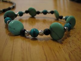 Green and Black Bracelet by jneia
