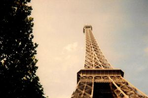 Eiffel Tower by bebadawn