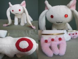 Kyubey Plush by Alicesuu
