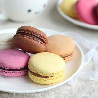 Macarons, pretty patties by lieveheersbeestje