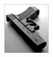 Glock 17 by zozzy1980