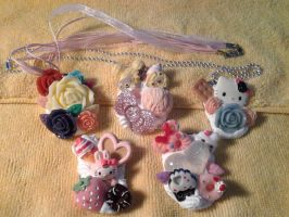 Decoden neckaces by raccoon-eyes
