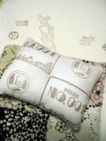 This cushion reminds me of a puzzle by Gressenheller