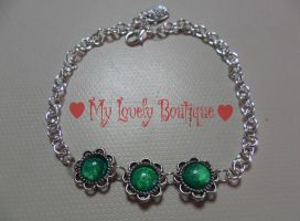 Green little cameo's bracelet by TheLovelyBoutique