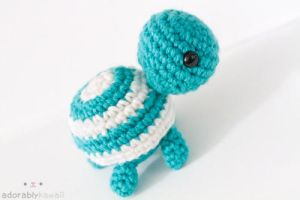 Striped Turtle by tinyowlknits