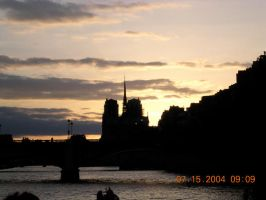 The Notre Dame at sunset by jaidel