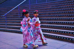 Girls in Yukata by sacadura