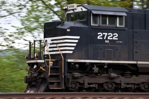 Panning An SD70M-2 by sullivan1985