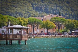 Garda Lake - 2 by cheekybastard89