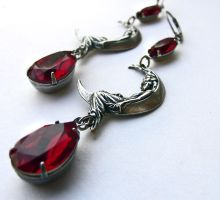 Red Crystal Moon Earrings by Aranwen