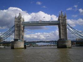 A Bridge over the Thames. by mr-macd