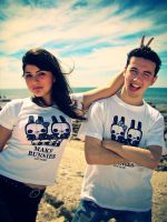 Make bunnies not war Tees by daskull