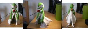 Gardevoir sculpture by arcanineryu