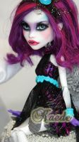 ~Kaede~ Monster High Spectra Vondergeist repaint by RogueLively