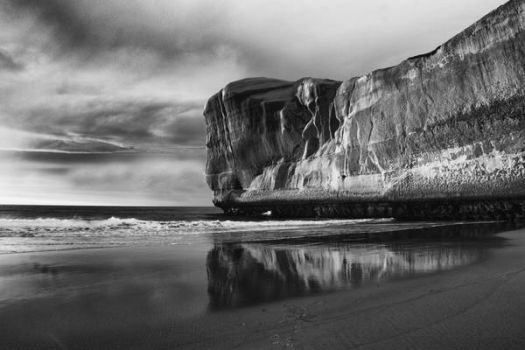 Tunnel Beach 3 BW by MintMannequin
