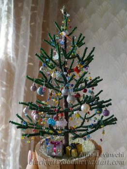 Holiday tree by la-chatte-noire