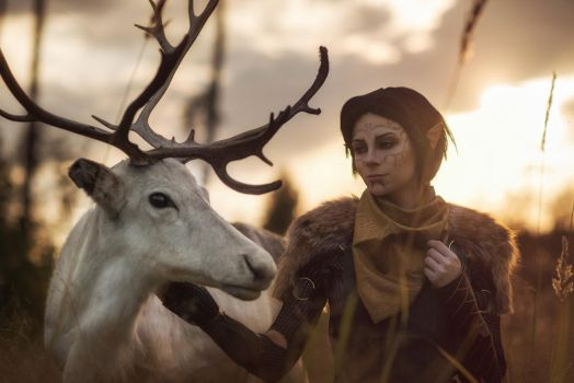 Merrill with Reindeer 4 - Dragon Age II cosplay by LuckyStrikeCosplay