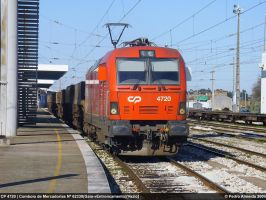 Empty train stopped 19-12-09 by Comboio-Bolt