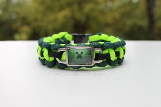 Custom Minecraft Creeper Charm on Paracord by Darqflame
