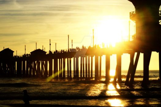 Huntington Beach sunset by MangaGirl12