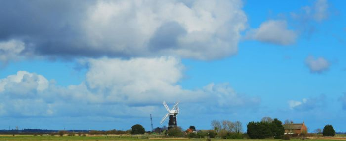 Berney Arms (drainage mill) by cloud-chaser