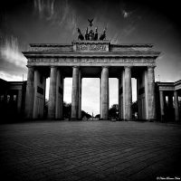 Brandenburg Gate by NachoRomero