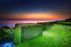 wet edge of the sea by hotonpictures