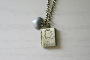 A story of love - Locket by foowahu-etsy