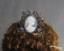 Cameo hair comb by bodaszilvia