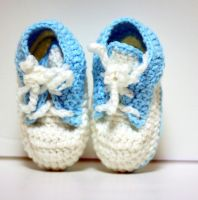 Crochet baby shoes sneaker by Knitnutbyjl