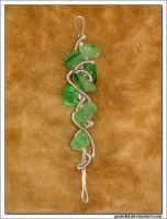 green wire wrapping pendant by gosiekd
