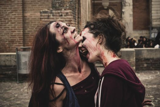 zombie day Toulouse 2015 by Arwenlindorie